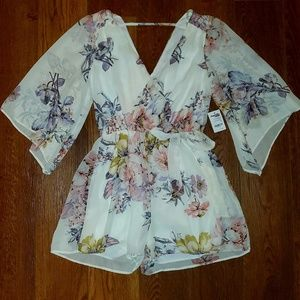 Womens Charlotte Russe floral romper size small